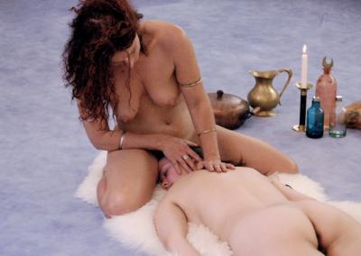 Tantramassage-im-Diamond-Lotus